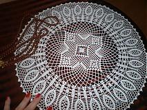 Úžitkový textil - Krásny háčkovaný obrúsok - 3763485_