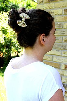 Ozdoby do vlasov - Oživ sa - Béžová kvetinka I. - 4212317_
