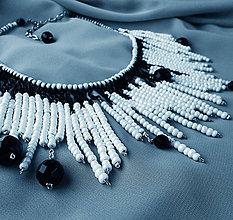 Náhrdelníky - Náhrdelník (čierno/ biela/perleťový) - 5203261_