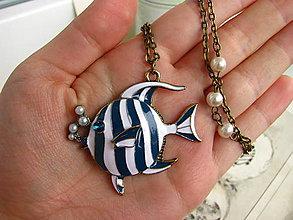 Náhrdelníky - Náhrdelník s rybkou - 5254508_