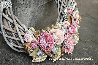 Kurzy - Kvety z papiera a ozdobený kvetinový veniec, BA 26.6.15 o 18.00 - 5399354_