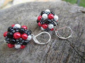 Náušnice - červeno-čierne perličky - 5457941_