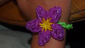 - Náramok s kvetom/náramok č.6 z loom bands - 5646761_