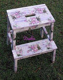 Nábytok - Stolička-hokerlík,šamlík ružičkový jemný  motív - 5723932_