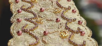 Náramky - Náramok z čipky, vyšívaný, zlatý - 5805424_