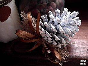 Dekorácie - Šišky Bielučké - 5930982_