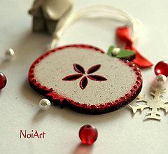 Dekorácie - Vianočná ozdoba Jabĺčko bodkované - 6025690_