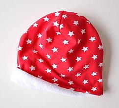 Detské súpravy - detská čiapka oteplená červená s hviezdičkami - 6147258_