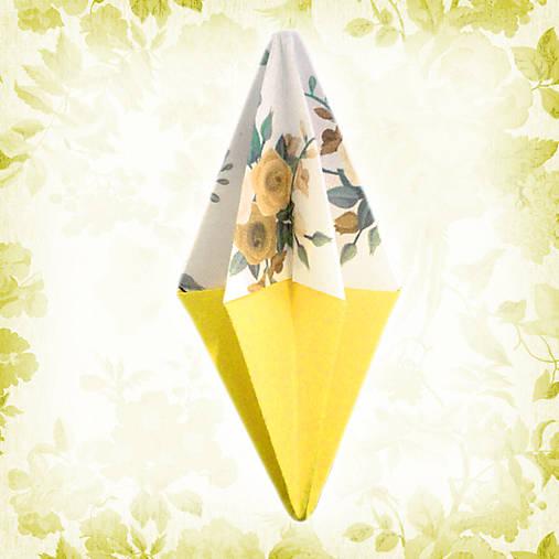 Vianočný špic kvetový žltý NA ZÁKAZKU, vianočné rakety, vintage vianočné ozdoby, vianočné dekorácie z papiera, vianočné origami, tvorenie z papiera, kvety, kvetové ozdoby, vianočný špic, vianočné dekorácie