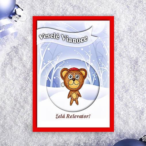 Macko v snehu - vianočná pohľadnica 3
