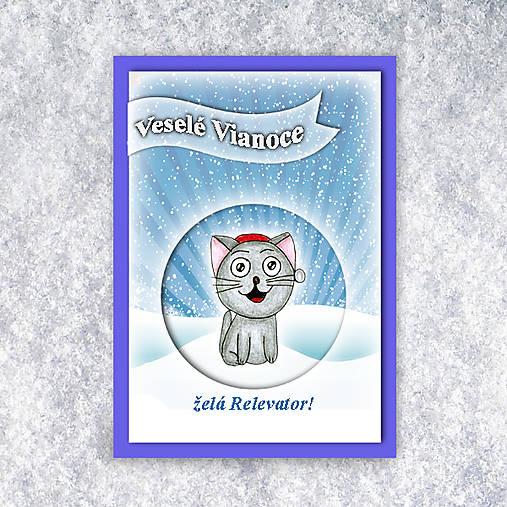 Mačka v snehu - vianočná pohľadnica 4