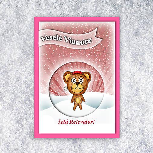 Macko v snehu - vianočná pohľadnica 4