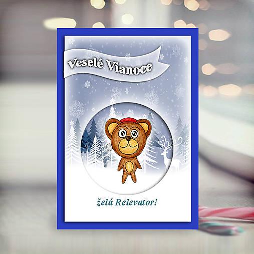 Macík v snehu - vianočná pohľadnica 5