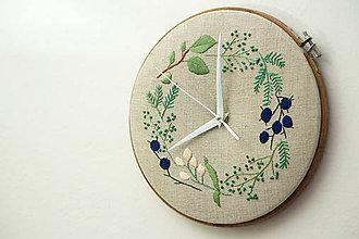 Hodiny - Adele, ručne vyšívané nástenné hodiny - 6365028_
