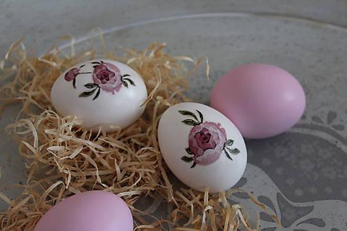 veľkonočné vajíčka kvietkované