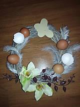 Dekorácie - Veľkonočný veniec na dvere s vajíčkami a orchideou - 6499813_