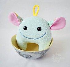 Hračky - Zrnko mentolovo-motýľové - 6505348_
