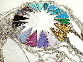 Náhrdelníky - Živicový náhrdelník srdce podľa vlastného výberu - 6509391_