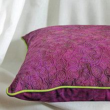Úžitkový textil - Polštář fialový se zelenou - 6539129_