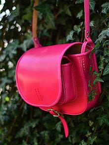 Kabelky - kožená lovecká kabelka s lemom 100% MAGENTA - 6646226_
