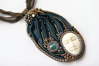 Náhrdelníky - Midnight Blue vyšívaný hodvábny náhrdelník O.O.A.K. - 6656707_
