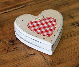 Krabičky - Maľovaná krabička z MDF Srdiečko - 6729770_