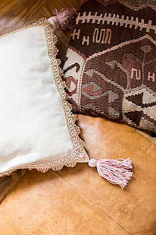 Úžitkový textil - Obliečka na vankúš so strapcami \