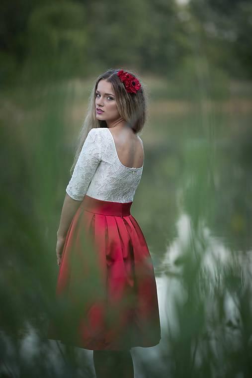 Šaty - Koktejlové šaty so skladanou sukňou rôzne farby  - 6879261_