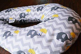 Textil - Vankúš na dojčenie sivý chevron so sloníkmi - 6886295_