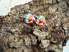 Náušnice - Náušničky srdiečkové s farebnými kockami - 6905654_
